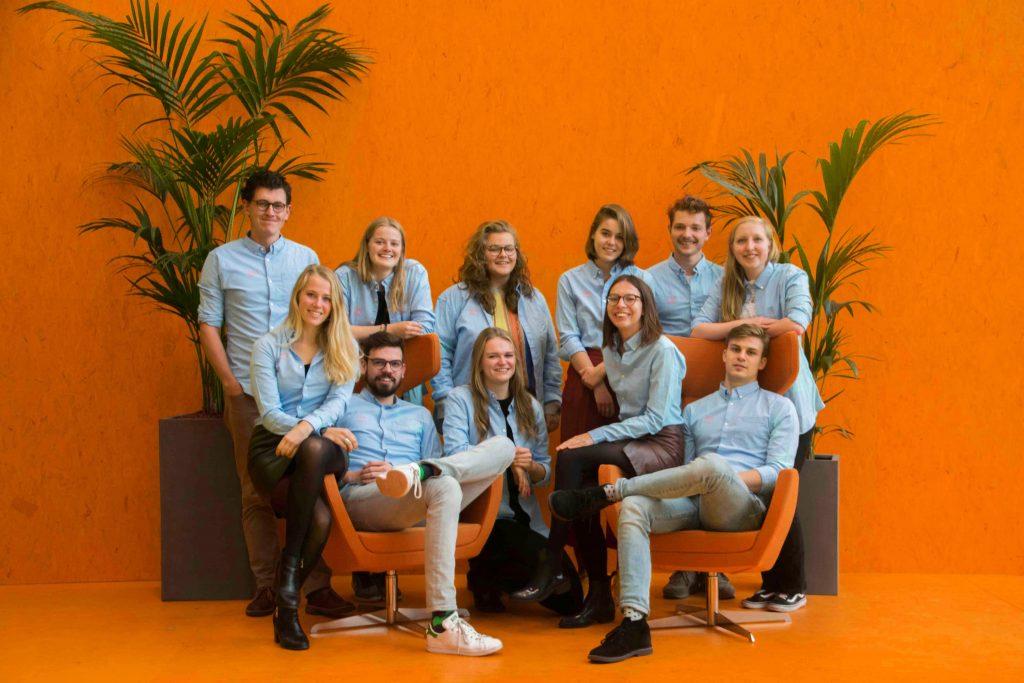 https://studieverenigingid.nl/wp-content/uploads/2017/06/GroepsfotoOranje.jpg